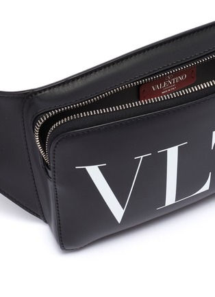 Detail View - Click To Enlarge - VALENTINO - Logo print leather bum bag
