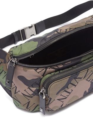 Detail View - Click To Enlarge - VALENTINO - Logo camouflage print bum bag