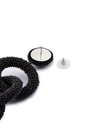 Detail View - Click To Enlarge - KENNETH JAY LANE - Interlocking seed bead hoop drop earrings