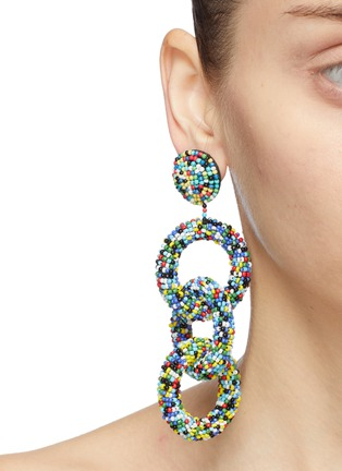 Figure View - Click To Enlarge - KENNETH JAY LANE - Interlocking seed bead hoop drop earrings