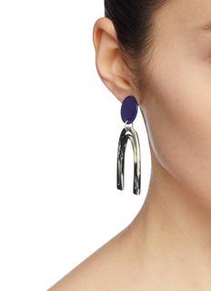 Bianca Mavrick Jewellery Mismatched colourblock geometric drop earrings