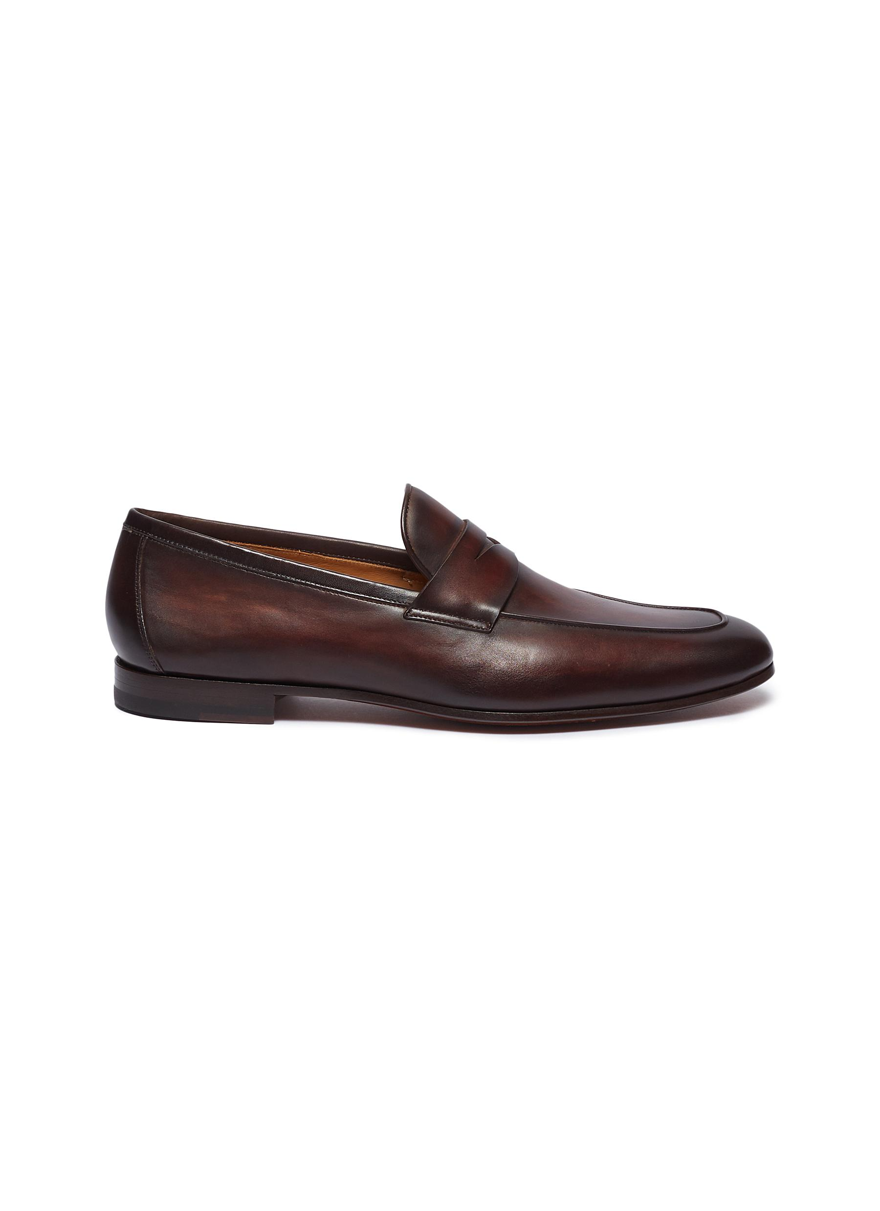 7b56c045e9d Magnanni. Leather penny loafers