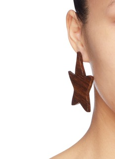Sophie Monet 'The Lily' wood drop earrings