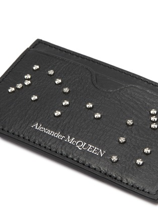 Detail View - Click To Enlarge - ALEXANDER MCQUEEN - Stud skull leather card holder
