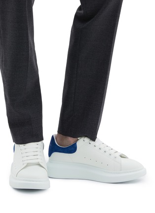 Figure View - Click To Enlarge - ALEXANDER MCQUEEN - 'Oversized Sneaker' in leather with suede collar