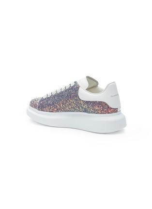 'Oversized Sneaker' in coarse glitter