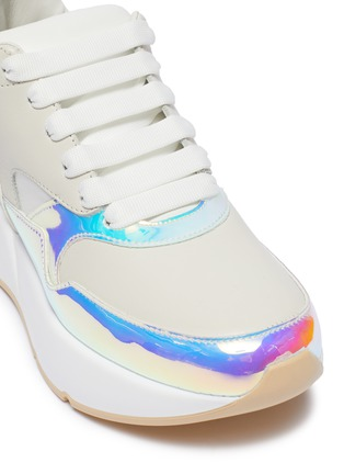 Detail View - Click To Enlarge - ALEXANDER MCQUEEN - 'Oversized Runner' in holographic panel leather