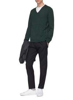 EQUIL Contrast seam cashmere V-neck sweater