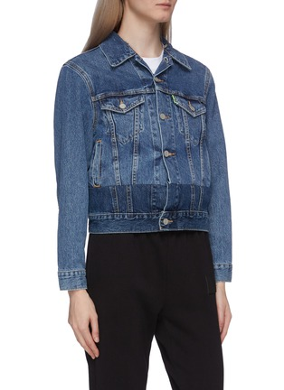 Detail View - Click To Enlarge - VETEMENTS - x Levi Strauss & Co. detachable contrast hood patchwork denim jacket