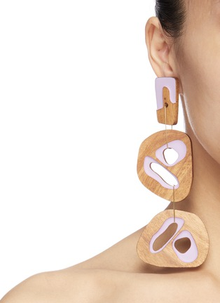 Figure View - Click To Enlarge - Roksanda - Cutout sculptural wood mismatched drop earrings