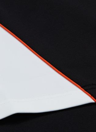 - 8ON8 - Colourblock outseam short sleeve turtleneck sweatshirt