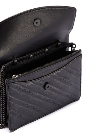 Detail View - Click To Enlarge - BALENCIAGA - 'BB' logo embossed leather chain wallet