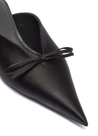 Detail View - Click To Enlarge - BALENCIAGA - 'Knife' bow satin mules