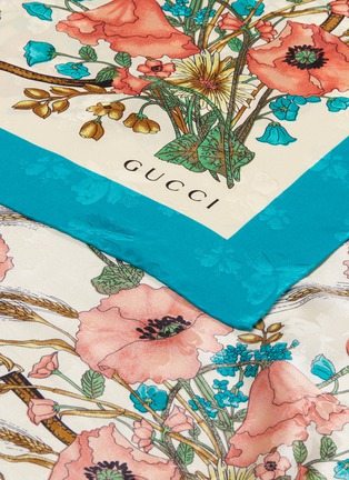 Detail View - Click To Enlarge - GUCCI - 'Lady Clicot' poppy print silk jacquard scarf