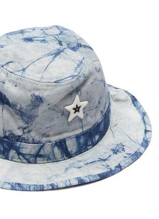 Detail View - Click To Enlarge - SMFK - 'Shadow' ceramic star tie-dye bucket hat
