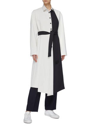 Figure View - Click To Enlarge - THE KEIJI - Detachable panel belted colourblock coat