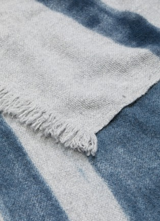 Detail View - Click To Enlarge - ANDRÉ FU LIVING - Salisburgo blanket – Dark Blue on Grey