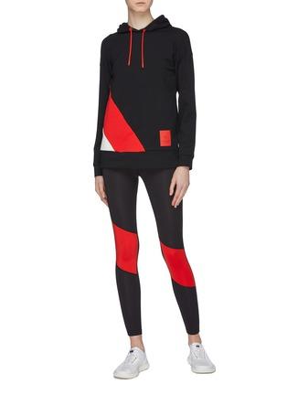 bb1912a55e Figure View - Click To Enlarge - Calvin Klein Performance - Colourblock  panel performance leggings