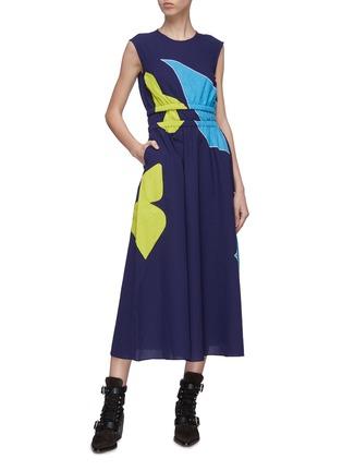 Figure View - Click To Enlarge - MINKI - Abstract colourblock panelled waist sleeveless dress
