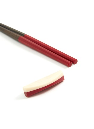 Detail View - Click To Enlarge - MARUNAO - Nippon Usagi chopsticks set – Red