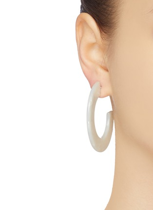 Figure View - Click To Enlarge - KENNETH JAY LANE - Marble effect flat hoop earrings
