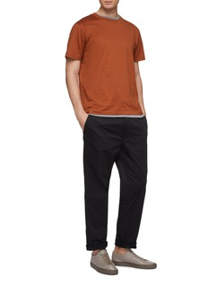 EQUIL Relaxed crew neck T-shirt