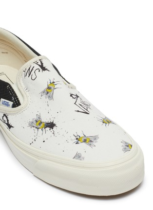 Detail View - Click To Enlarge - VANS - x Ralph Steadman 'Classic Slip-On' bee print canvas skates