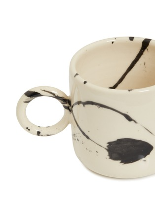 Detail View - Click To Enlarge - CHRIS EARL - Circle mug set – Black Splatter