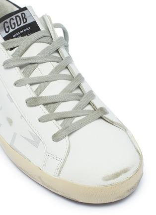 Detail View - Click To Enlarge - GOLDEN GOOSE - 'Superstar' slogan star print leather sneakers