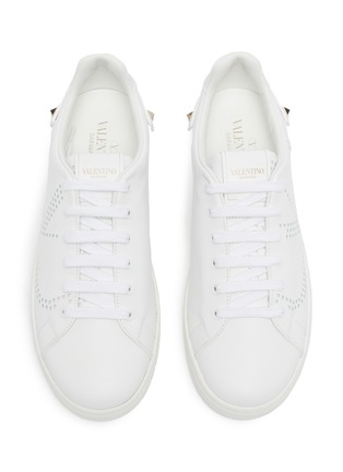Detail View - Click To Enlarge - VALENTINO - Valentino Garavani 'VLOGO' feather perforated leather sneakers