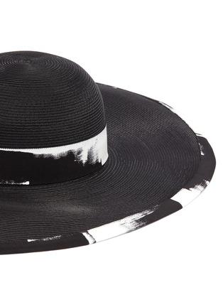 Detail View - Click To Enlarge - EUGENIA KIM - 'Sydney' brushstroke print asymmetric brim straw hat