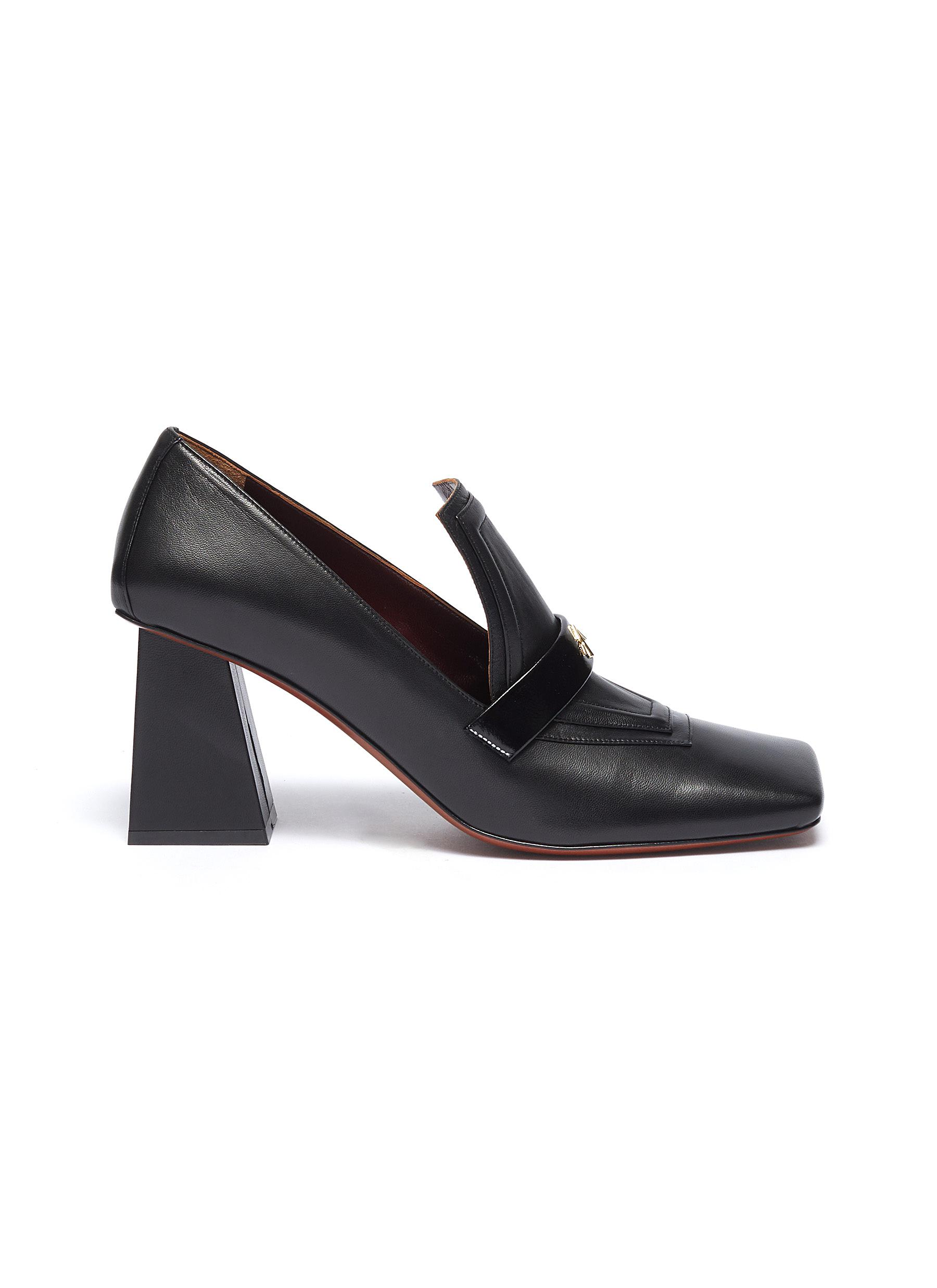 Leather loafer pumps by Manu Atelier