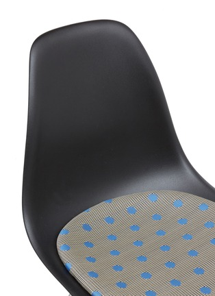 Detail View - Click To Enlarge - HERMAN MILLER - x Paul Smith and Maharam Eames moulded chair – Dots