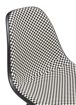Detail View - Click To Enlarge - HERMAN MILLER - Eames moulded chair