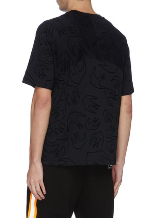 Back View - Click To Enlarge - MCQ ALEXANDER MCQUEEN - Swallow velvet flock print panelled T-shirt