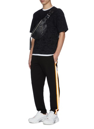 Figure View - Click To Enlarge - MCQ ALEXANDER MCQUEEN - Swallow velvet flock print panelled T-shirt