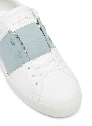 Detail View - Click To Enlarge - VALENTINO - Valentino Garavani 'Open' patent colourblocked leather sneakers