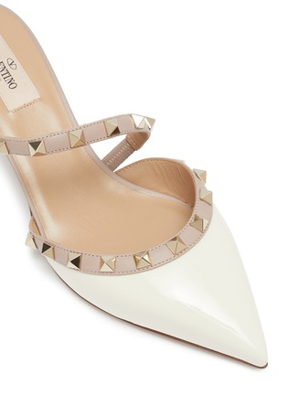 Detail View - Click To Enlarge - VALENTINO - Rockstud colourblock cross strap leather mules