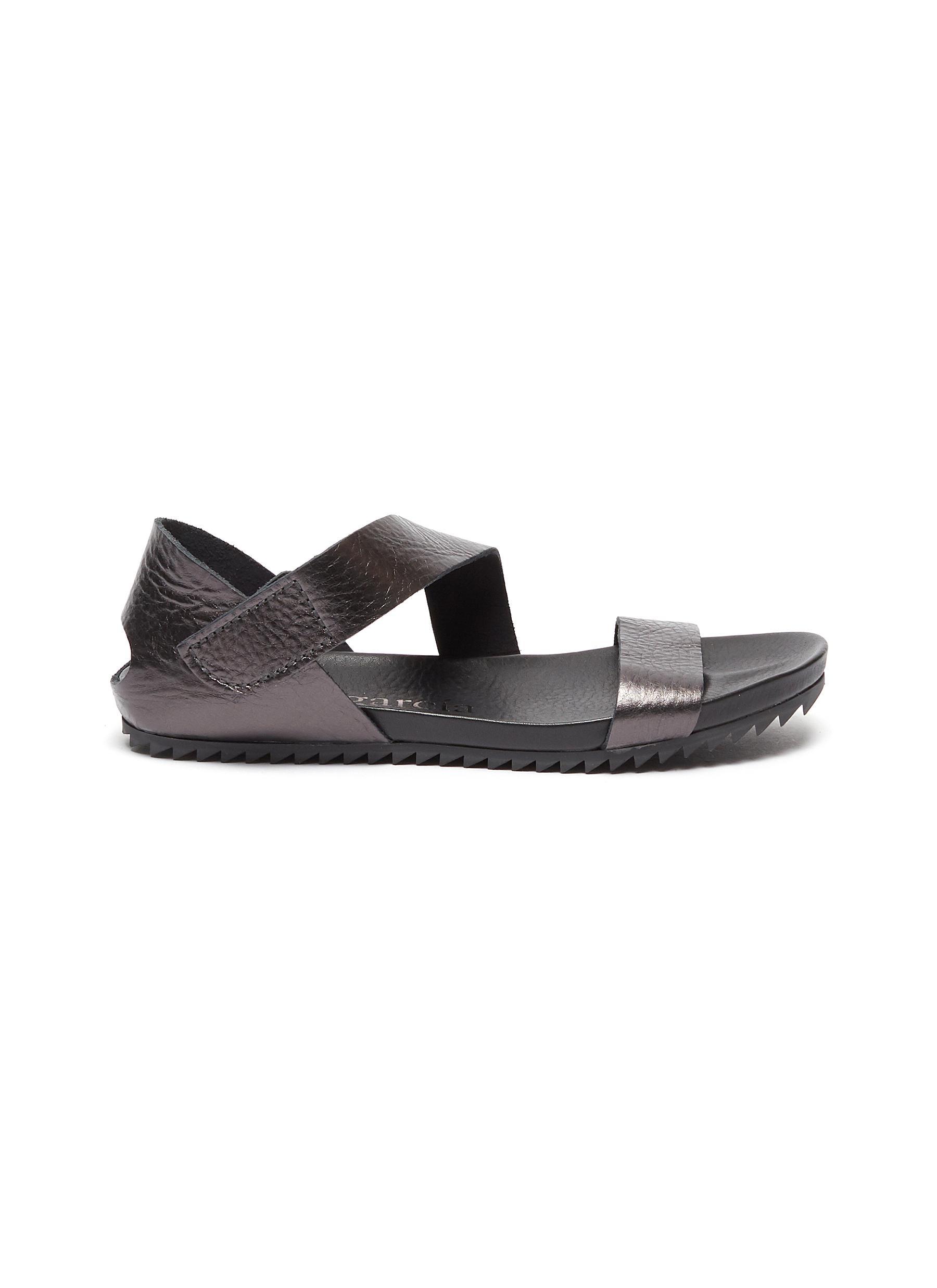 Jo slant strap metallic leather sandals by Pedro García
