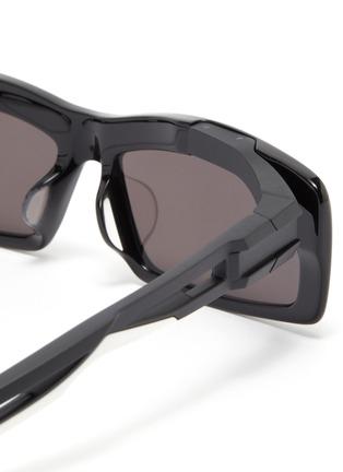 Detail View - Click To Enlarge - BALENCIAGA - 'Hybrid' cutout temple acetate rectangle sunglasses