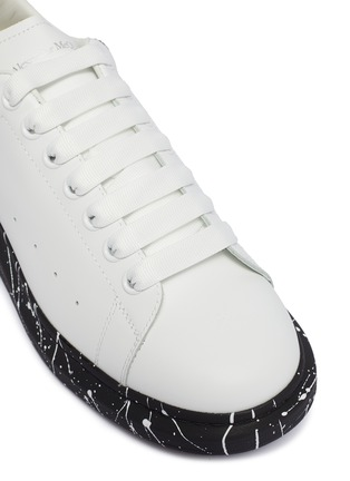 Detail View - Click To Enlarge - ALEXANDER MCQUEEN - 'Oversized Sneaker' in leather with paint splat outsole