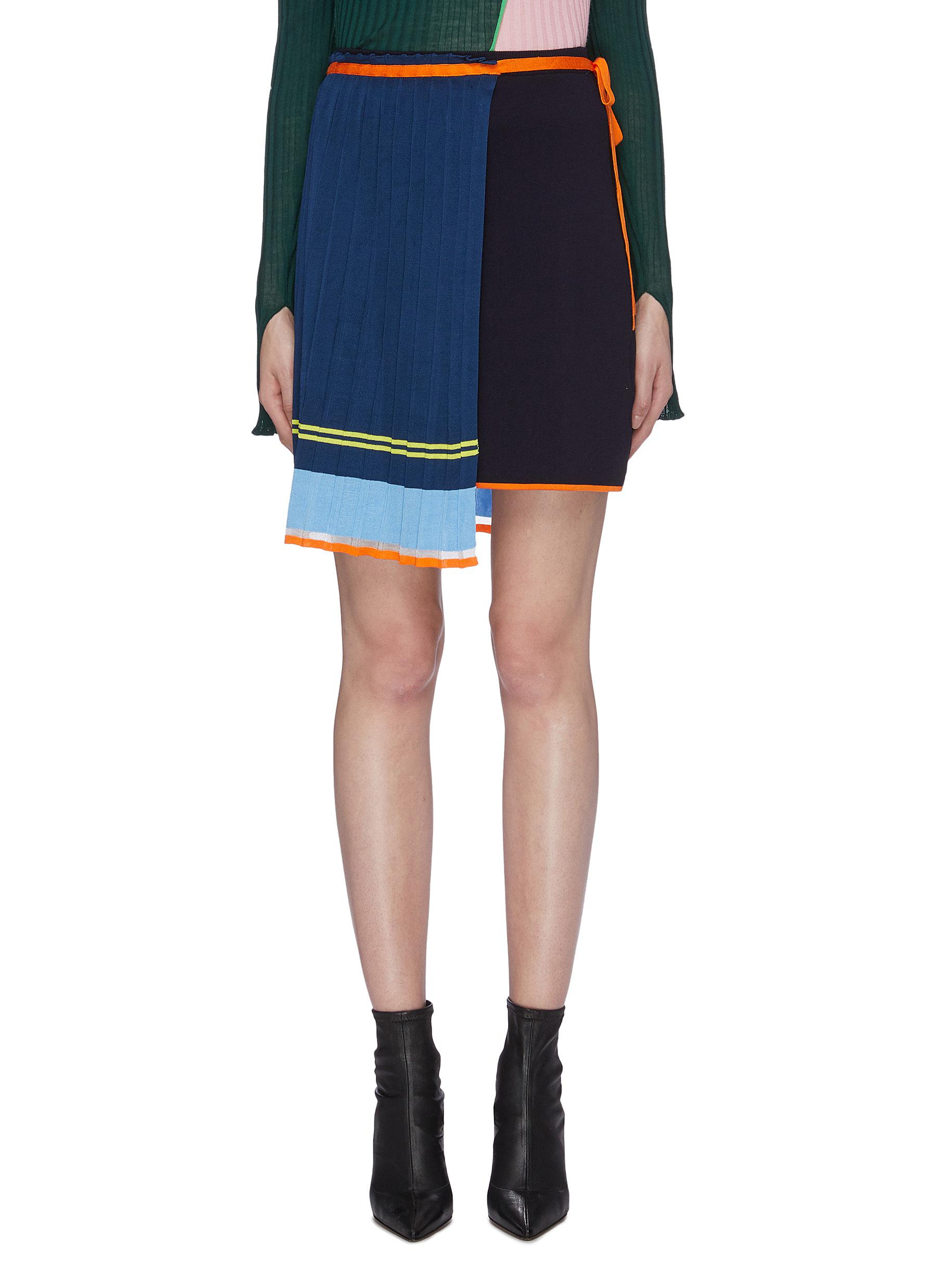 Tie pleated apron panel colourblock knit skirt by I-Am-Chen
