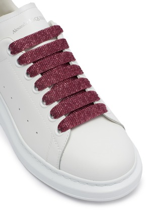 Detail View - Click To Enlarge - ALEXANDER MCQUEEN - 'Oversized Sneaker' in leather with coarse glitter collar
