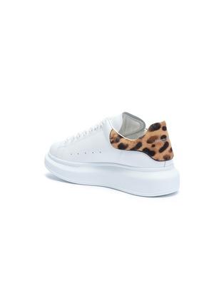 - ALEXANDER MCQUEEN - 'Oversized Sneakers' in leather with leopard print ponyhair collar