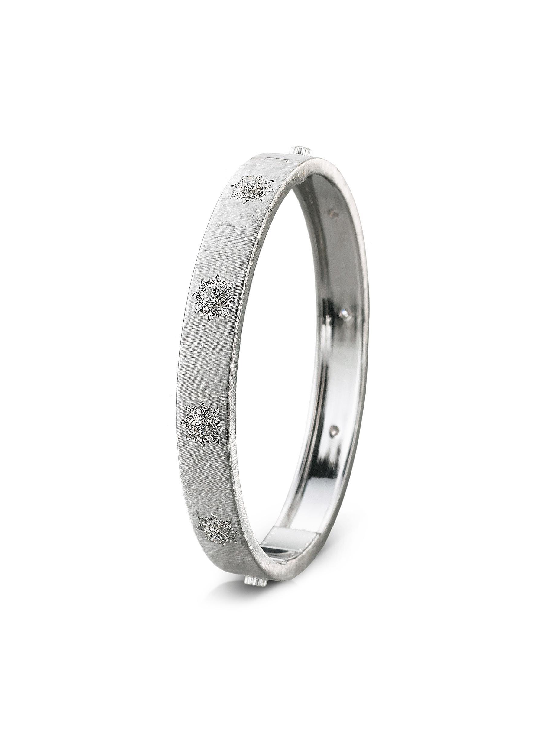 Macri' diamond white gold bangle - BUCCELLATI - Modalova