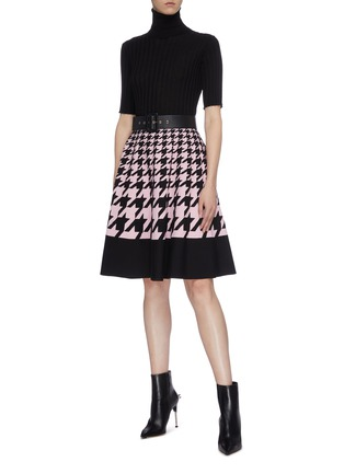 3ce90e36ae Figure View - Click To Enlarge - ALEXANDER MCQUEEN - Houndstooth check  jacquard pleated skirt