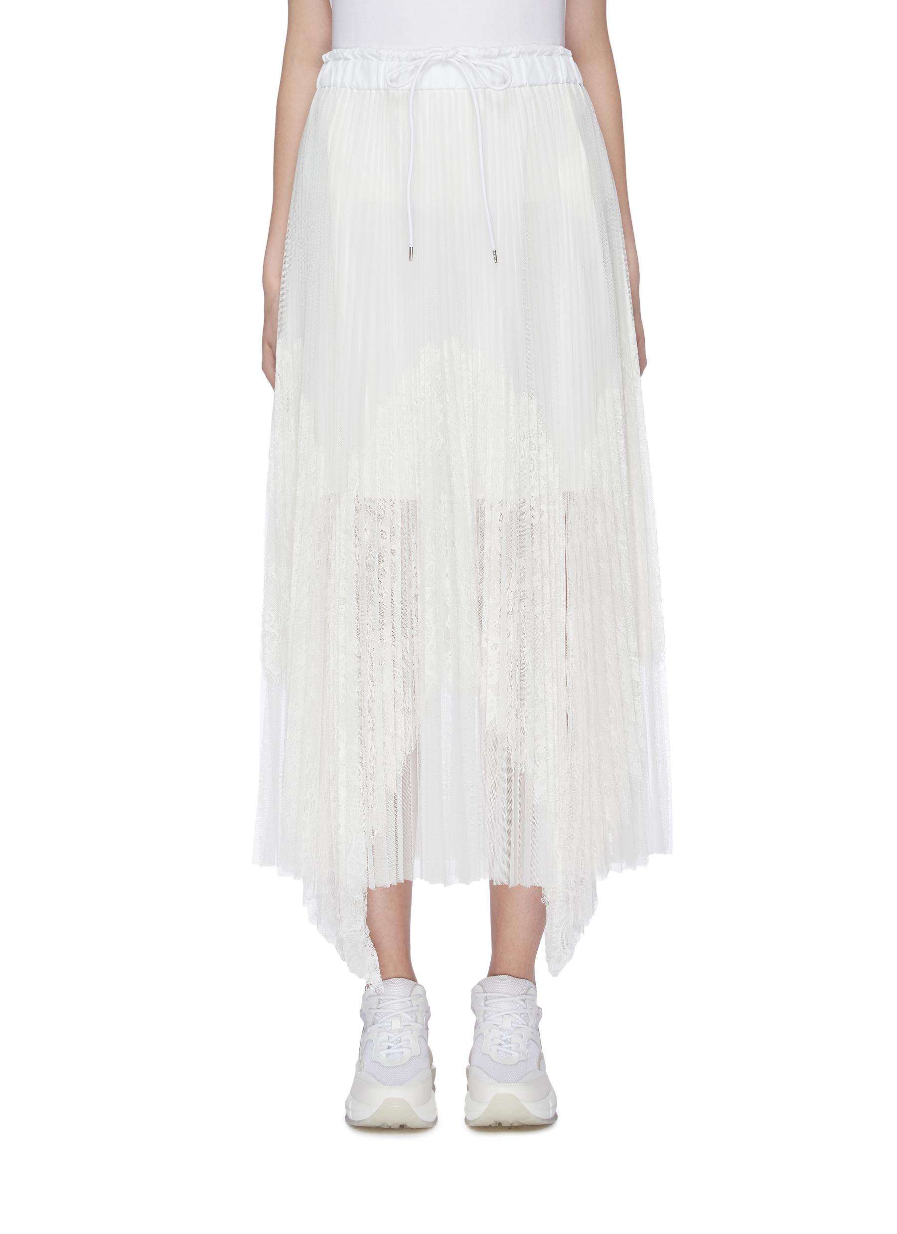 Lace panel pleated handkerchief skirt by Sacai