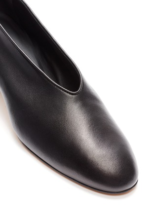 Detail View - Click To Enlarge - GRAY MATTERS - 'Mildred' cube heel choked-up leather pumps