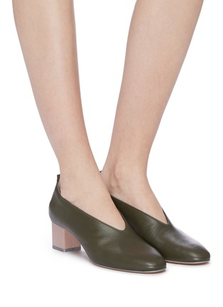 Figure View - Click To Enlarge - GRAY MATTERS - 'Mildred' cube heel choked-up leather pumps