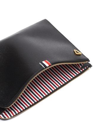 Detail View - Click To Enlarge - THOM BROWNE - Large pebble grain leather crossbody folio pouch